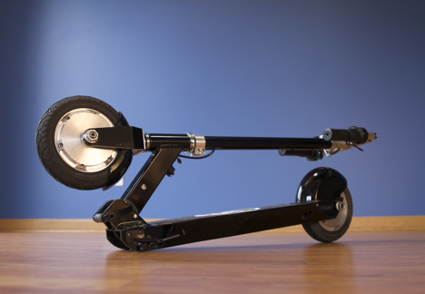 Glion SmartScooter Model 100 Black in Folded Position